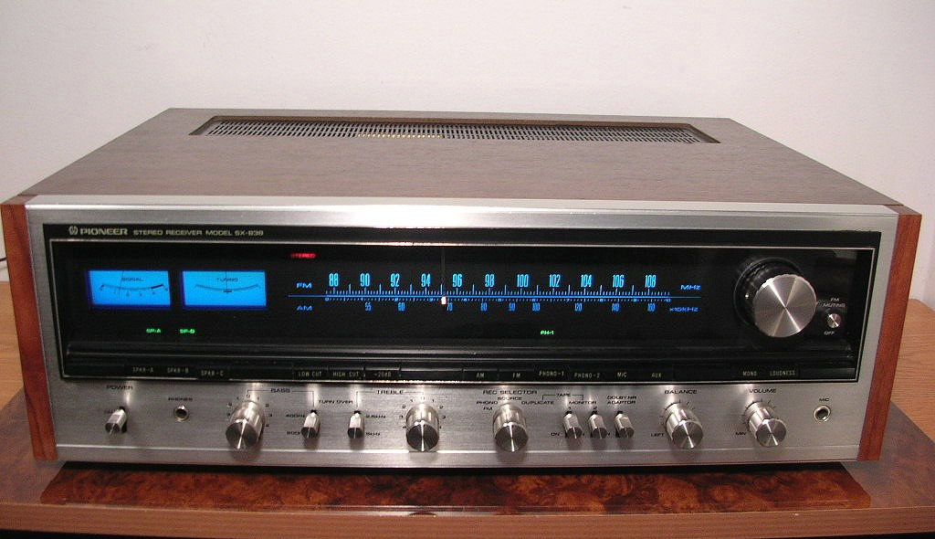 Amply Pioneer SX 838